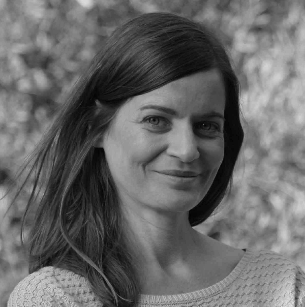 Joy Gardeur Naturopathe portrait en noir et blanc